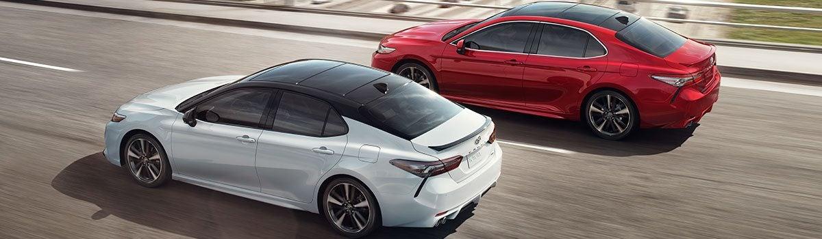 2019 Toyota Camry LE vs  SE: Trim Level Comparison | Seeger